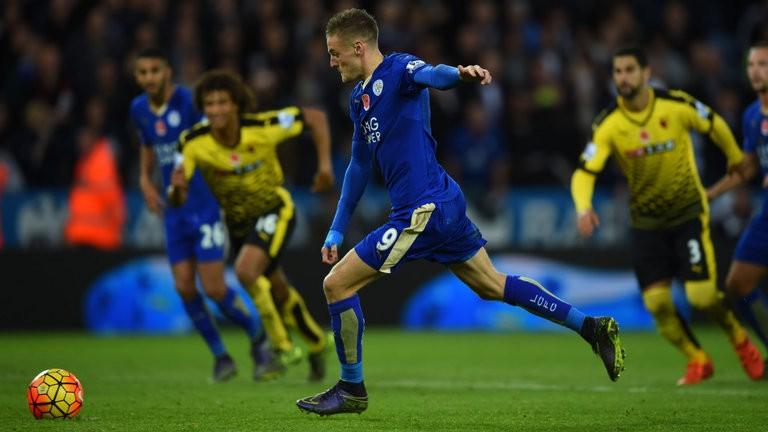 Leicester City pokonuje Watford 2:1