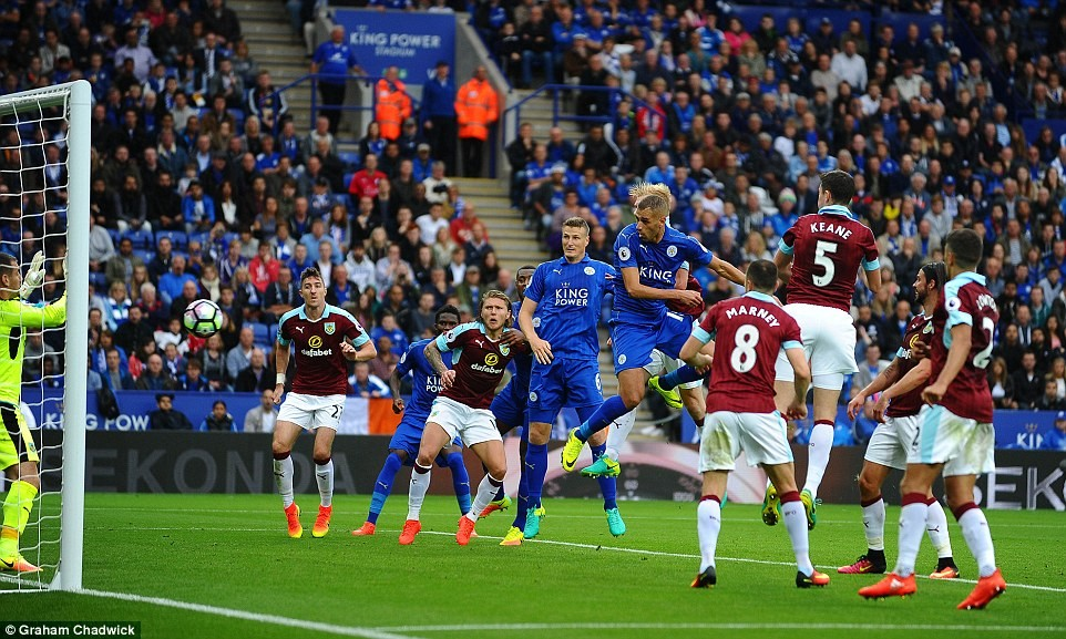 Leicester City pokonuje Burnley 3:0